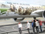 Air New Zealand unveils Hobbit plane